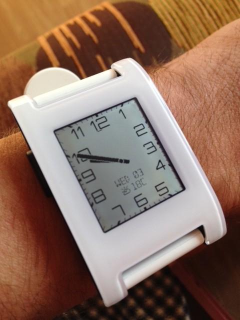 Часы Pebble как часы